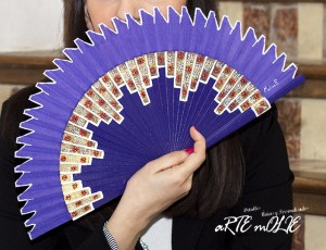 "Original abanico pintado a mano con diseño ""Picos"""