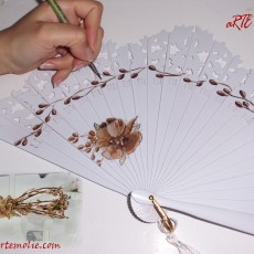 Abanico de novia personalizado con un diseño