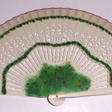 Abanico pintado a mano detalles verdes