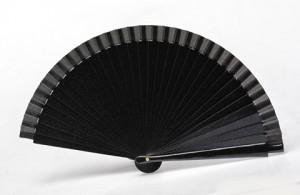 Abanico negro metalizado ideal para eventos de noche