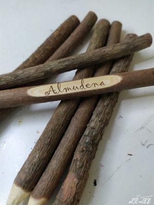 Bolígrafo de madera rústico personalizado