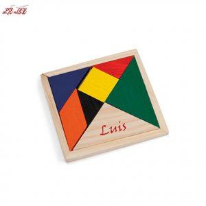 Puzzle de madera tangram personalizado a mano