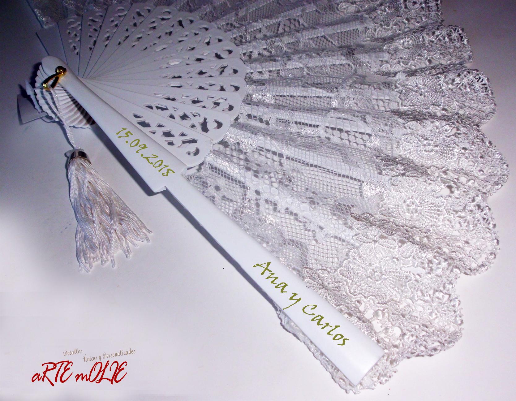 Abanico de novia con encaje y personalizado